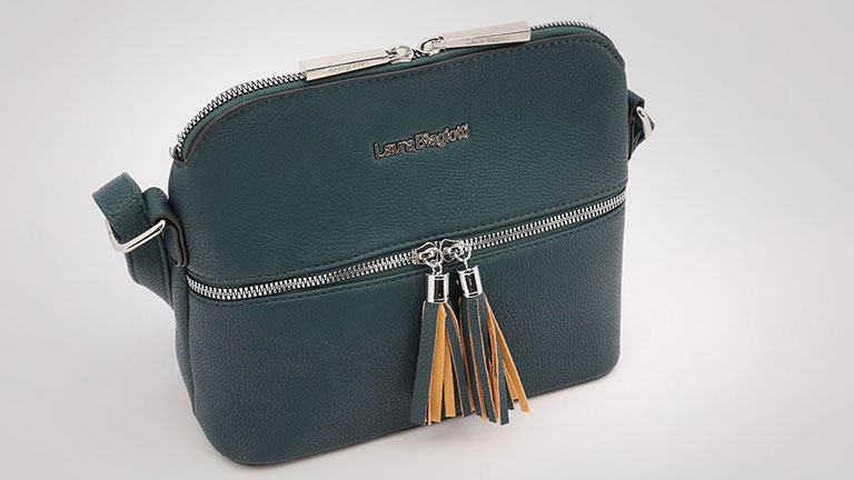 Sell handbags by Laura Biagiotti and Carrera Jeans online in dropshipping